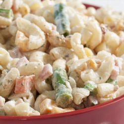 Těstovinový salát se zeleninou a bílým jogurtem Klasik