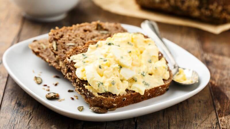 Vajíčková pomazánka z Tradičního pomazánkového másla